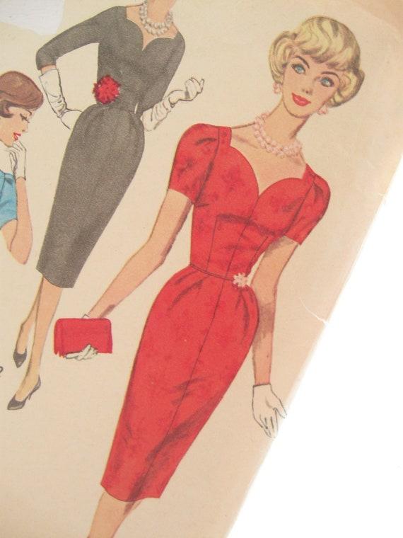 Simplicity 3220: 1950s Mad Men Vintage Sewing Pattern Sweet Heart Neckline Bombshell Wiggle Dress Bust 34