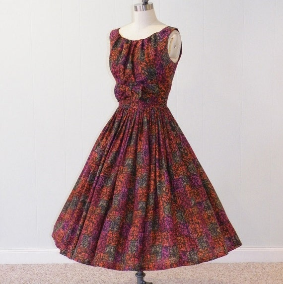 1950s Dress, 50s Multi-Color Cotton Fleur De Lis Print Full Skirted Rockabilly Party Dress, Small Vintage Sleeveless Dress