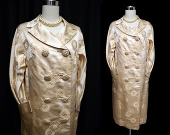 Vintage 50s Coat // 1950s to early 60s Luxe Ivory CHAMPAGNE SILK Brocade Coat // Double Breasted Evening Coat Wedding