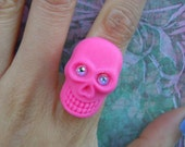 SALE and 100% DONATION to AHA // Sparkle Skull Ring - Pink