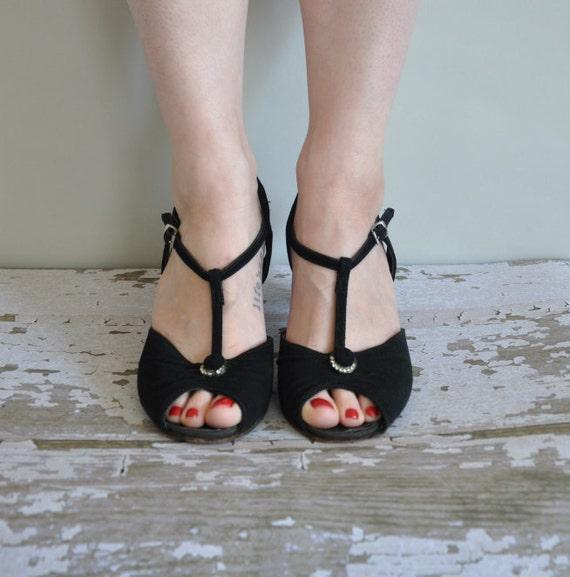 r e s e r v e d...vintage 1950s heels / 50s black suede with rhinestones heels / Paper Moon