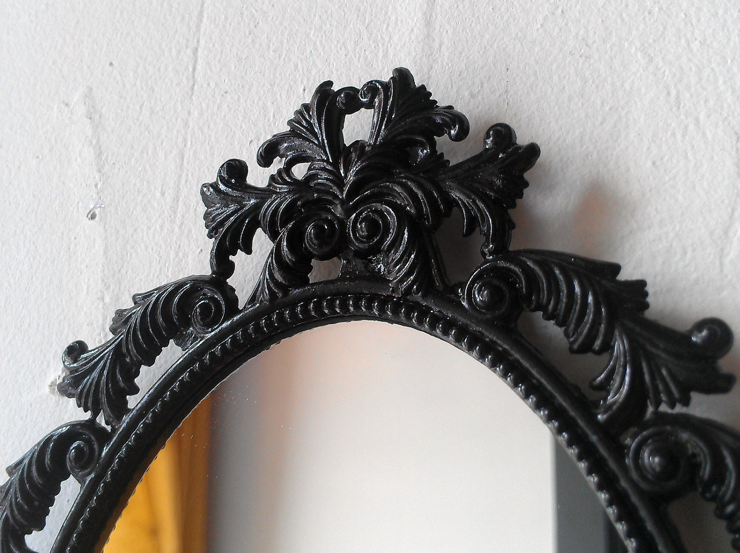 Black oval mirror in vintage brass feather frame gothic zoom amipublicfo Gallery