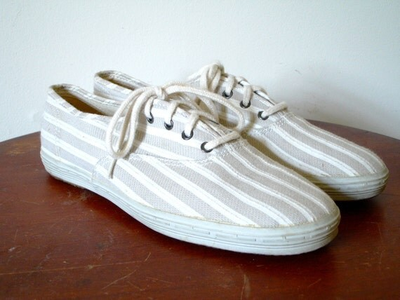 vintage 1980s Shoes // Striped Keds // White and Beige // Tennis Shoes Flats // 7 1/2