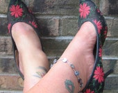 Come Walk A Mile In My Shoes Fab Pointy Toe Mad Men Floral Shoes Sheer