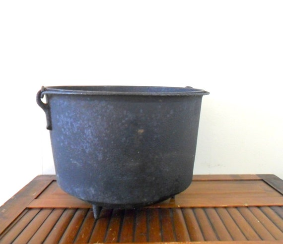 vintage large antique cast iron footed pot - stovetop - halloween decor - black