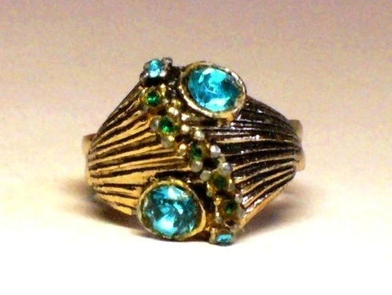 Vintage 60s Rhinestone Ring w Emerald & Topaz Crystals Paved in Gold Setting