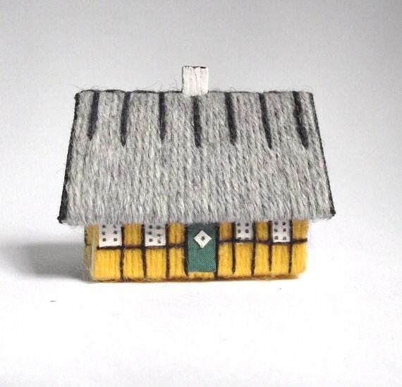 Vintage House Shaped Matchstick Holder