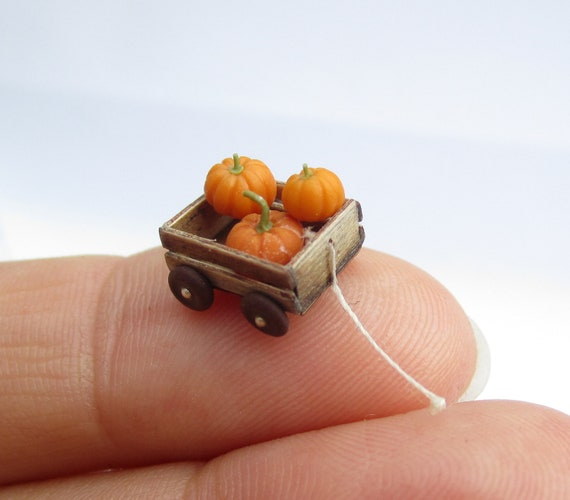 Quarter scale cart with loose Pumpkins