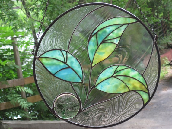 Stained Glass Three Leaf Round Seedling Panel
