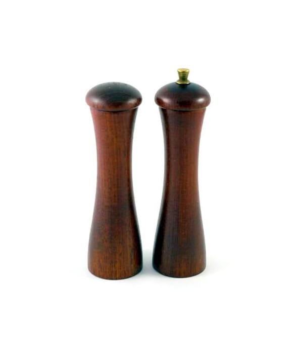 Italian Walnut Salt Shaker and Pepper Grinder Set -- Made in Italy -- Tre Spade