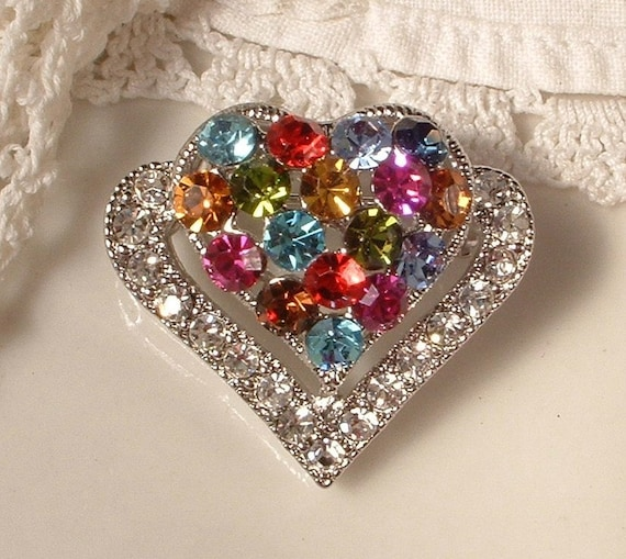 Be Still My HEarT Vintage Multi Colored & Clear Rhinestone Petite Double Heart Brooch STUNNING