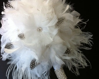 White feather bouquet with black and white feathers