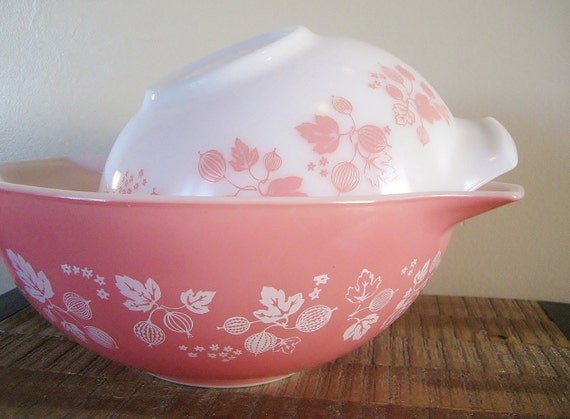 Two Large Vintage Pyrex Pink Gooseberry Mixing Bowls By