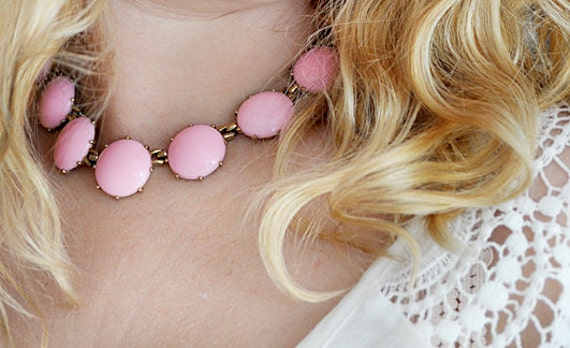 Vintage Pink Thermoset Circle Necklace