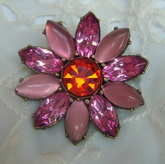 Vintage Retro 1960s Pink Rhinestone Flower Pin with Red Center