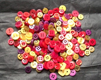 150 Button Small Mix, HARVEST Mix, Wheat, Red, Purple, Assorted sizes, Crafting, Jewelry, Sewing (1042 A)