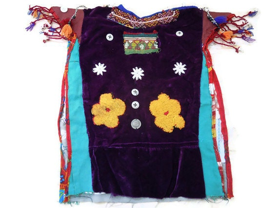traditionel turkmen child's dress