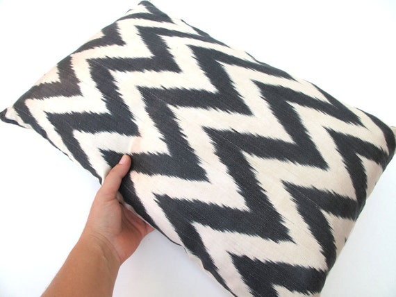 Decorative Ikat Silk Accent Pillow Cover by DivanCushu : Hand-woven Ikat 14x22inch Black Zigzag Pillows, Charcoal, Creme