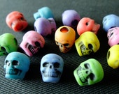 Destash (15) Pony Beads SKULLS Multicoloured - for bracelets, jewelry making, crafts, scrapbooking, paracord