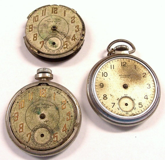 VINTAGE Watch Parts STEAMPUNK Pocket Watch Large Round Mechanical Movements Gears Face Plates Watch GeARS Watch Shop Supplies Destash (S56)