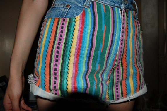 90's highwasited stripe design shorts