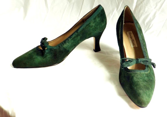 Suede Heels / vintage 1980s Green Suede Heels Shoes size 9 1/2 M / Kelly Bow Pinup Pumps
