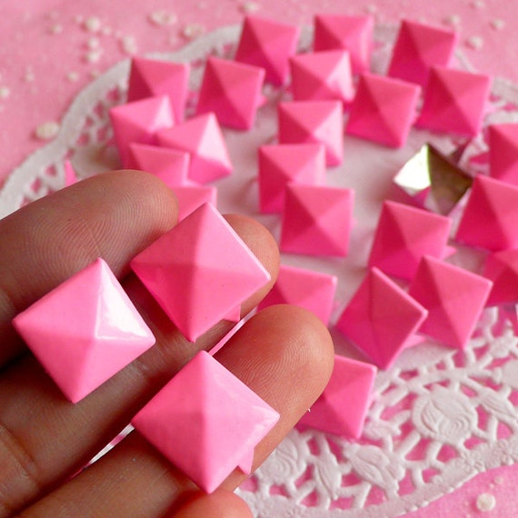 Rivet / PINK Metal Pyramid Rivet Studs / Square Rivet 12mm (around 50pcs) for Cell Phone Deco / Leather Craft / Jean Button, etc  RT13