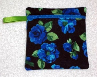 Handmade - Retro floral zippered pouch - Gift Card Holder FREE shipping