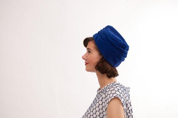 Vintage 1960s Turban Hat - 60s Beehive Hat - Royal Blue Velvet