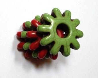 Apple Moss - Howlite Gear / Flower Beads - 28mm