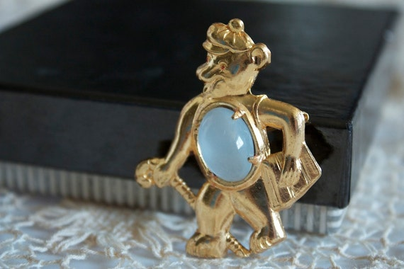 Vintage NOS 1960s Opal Bear Jelly Belly BROOCH Off To School