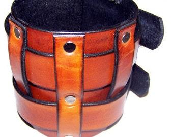 Item 102312 Hammond Leather Gauntlet