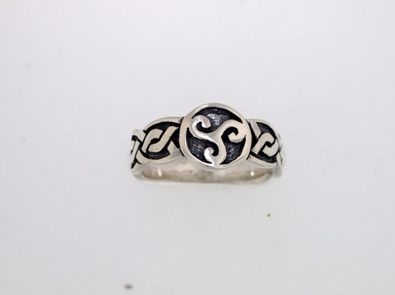 Triskele Knotwork Ring in Sterling Silver