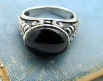Silver Ring with Black Onyx cabochon
