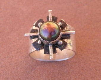 Gray Pearl Four Directions Ring