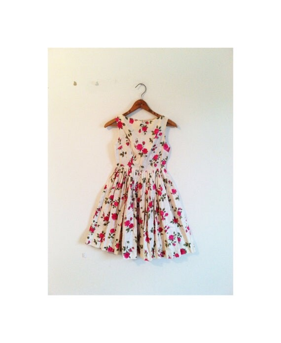 1940s-1950s BEAUTIFUL garden rose floral cotton dress