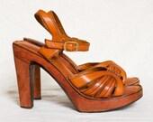 Vintage 1970s tan leather wood platform shoes 7 / platform sandals 7 / wood platforms 7