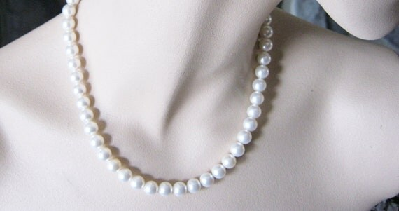 Summer SALE! White Pearl Necklace, Bridal, Single Strand Necklace
