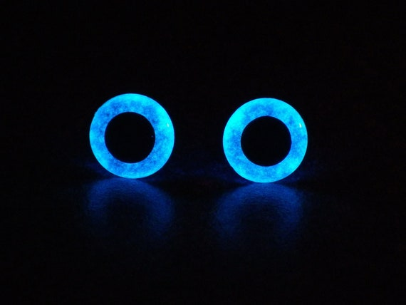 Items similar to 12mm Safety Eyes, Metalic Blue Glow In ...