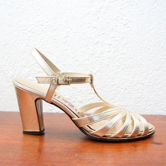Vintage 60s 70s Gold Strappy Heels 7-7 1/2