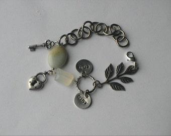 Silver Personalized Bracelet. Charm bracelet for mom. New Mom Gift. Kid's Name Bracelet. Initial Bracelet. Mother's Day. Sela Designs.