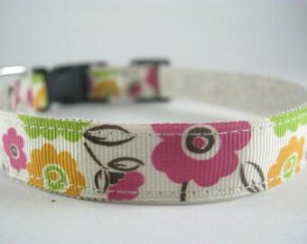 Hemp Dog Collar - Retro Style Flower - 3/4in