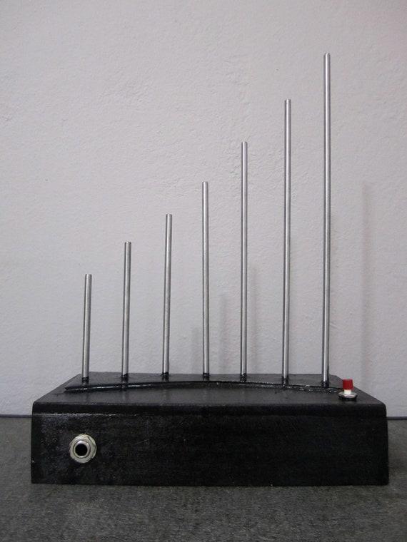 Sonic Tone Generator // Experimental Percussion Box // Synth