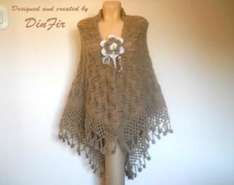 LIQUIDATION Stock SALE 30% OFF / Oversized Triangle Shawl Wedding Accessories Shrug Bolero Warm Crocheted Romantic Beige Hand Knitted Women