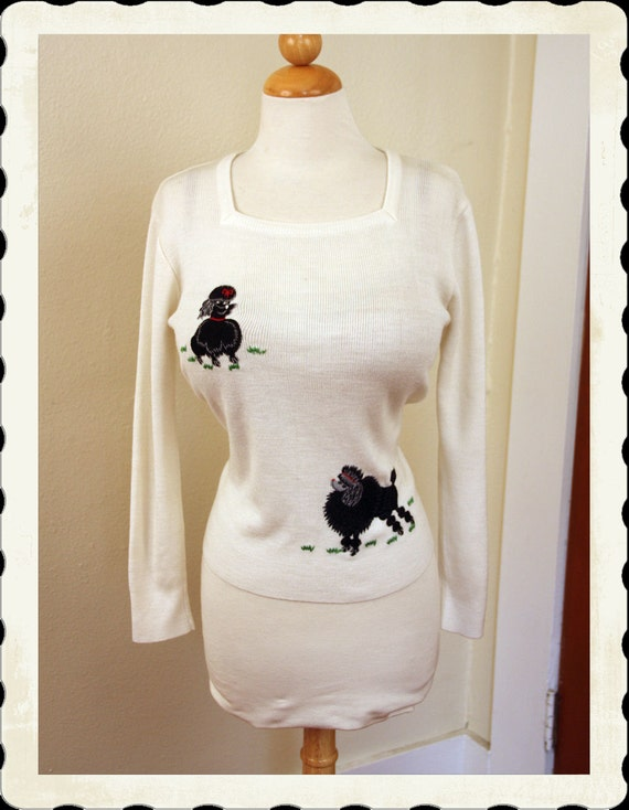ADORABLE 1960's Novelty White Knitted Hourglass Black Toy Poodle Dog Long Sleeve Sweater Blouse by LeRoy Knitwear - VLV - Size M to XL