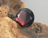 Red Garnet faceted round natural gemstone 6 cts