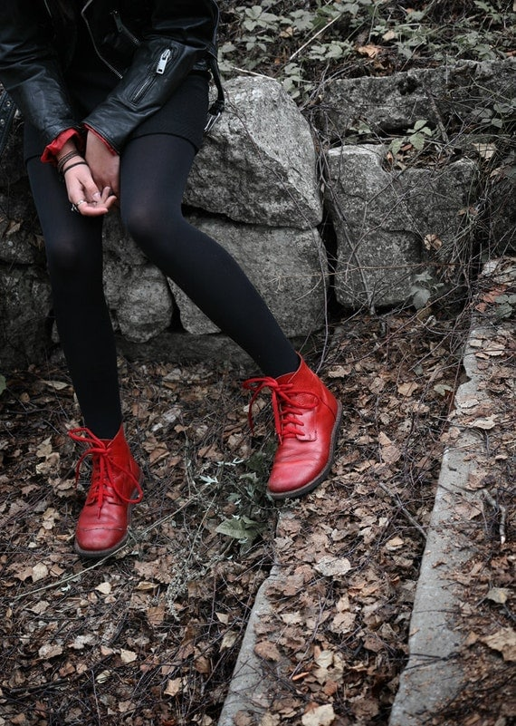 Red Leather Autumn Boots size 9