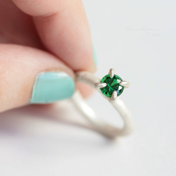 Sterling Prong Ring with Emerald Organic White Solitaire T13