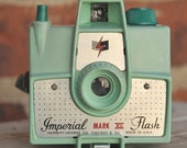 RESERVED Working GREEN  Vintage Imperial Mark XII