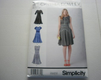 Pattern Ladies Dress  3 Styles Sizes 6 to 14 Simplicity 1802